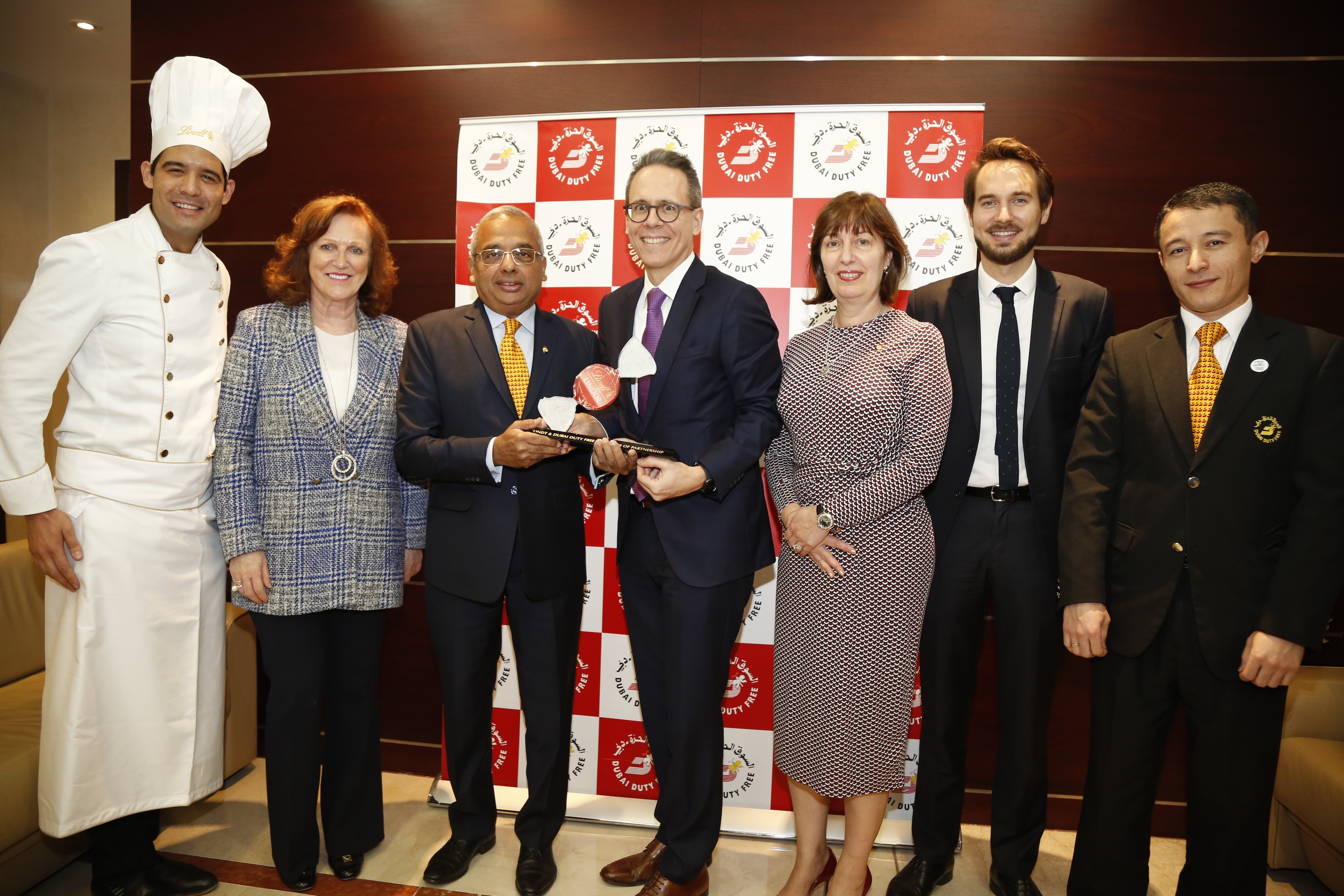 Magical Moment: Lindt & Sprüngli Travel Retail honours Dubai Duty Free with top retail partner award for 25th anniversary